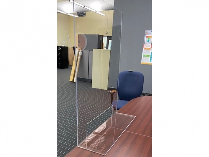 """Clear Acrylic Bent Foot Partition 30"""" x 36"""" with 10"""" x 20"""" Opening Live View"""